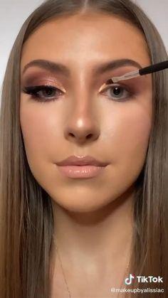 Beauty Makeup Tips, Beauty Skin, Beauty Hacks, Beauty Stuff, Beauty Care, Eye Makeup Steps, Blue Eye Makeup, Skin Makeup, Anastasia Beverly Hills Palette