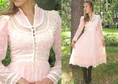 Vintage Most Feminine & Pretty 1970s Gunne Sax Dress made from a lightweight…