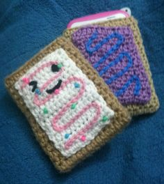 Burlap & Lace Crochet: Toaster Pastry Mini Tablet/Cell Phone Sleeve- turn into bag/purse? Crochet Cozy, Crochet Gifts, Cute Crochet, Beautiful Crochet, Easy Crochet Projects, Yarn Projects, Crochet Handbags, Crochet Purses, Crochet Bags
