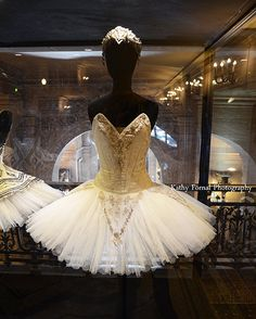 Paris Photography, Opera Ballerina Costume, Ballerina Dress Tutu, Parisian Ballet Art, Paris Opera Ballerina, Paris Ballet Tutu Photograph