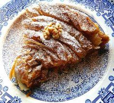 Greek Sweets, Greek Desserts, Greek Recipes, Sweets Recipes, Candy Recipes, Cooking Recipes, Sweet Buns, Sweet Pie, Pastry Art
