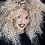 """3,722 Likes, 54 Comments - NATTY MORAIS com i (@eunattymorais) on Instagram: """"Quer clarear o cabelo sem perder os cachos?? @pietrotrindade e @hairhafaeltrindade entendem do…"""""""