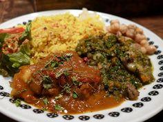 Cafe Menu, Food Plating, Junk Food, Cooking Ideas, Japanese Food, Ramen, Curry, Spices, Pork