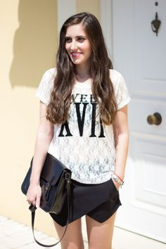 SWEET BLACK AND WHITE 4-6-2014  Camiseta/Shirt – H&M (ss 14) Papyrus-skirt – Zara Cangrejeras/Shoes – Tino González