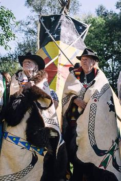 Willie Nelson and Neil Young being honored with Buffalo robes in Nebraska for their help in protecting tribes from the Keystone pipe lines!
