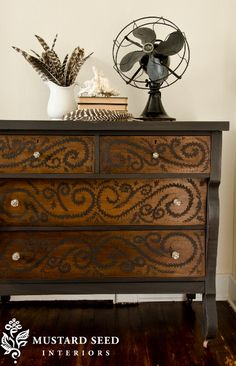 Miss Mustard Seed original~  I think I might have a dresser missing a top drawer for this re-do~
