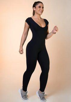 Macacão comprido preto com manga curta básico Estilo Fitness, Fitness Fashion, Ideias Fashion, Sporty, Style, Track Suits, Black, Stylus