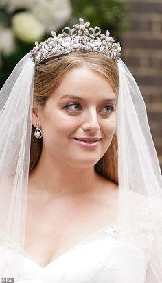 White Wedding Gowns, White Bridal, Sophie Winkleman, Lord Frederick Windsor, Floral Fascinators, Princess Alexandra, Diamond Tiara, New Wife, Satin Gown
