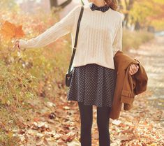 Sweater over dress with Peter Pan collar! And tights