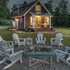 Beach cottage. So cute...love this!