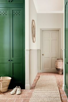 Experience exceptional paint from the UK's leading luxury paint provider, Little Greene. Peinture Little Greene, Little Greene Paint, Pink Paint Colors, Interior Paint Colors, Interior Design, Hall Flooring, Vinyl Flooring, Mad About The House, Trending Paint Colors