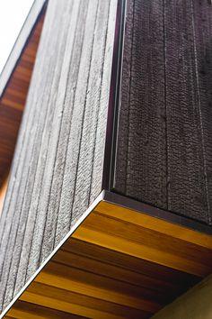 56 Trendy Ideas For Exterior Cladding Materials Metal Siding House Siding Options, Exterior Siding Options, Exterior House Siding, Exterior Wall Cladding, House Cladding, Exterior Stairs, Exterior House Colors, Timber Cladding, Exterior Wall Design