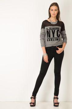 Sueter trendy Elisa Graphic Sweatshirt, Sweatshirts, Sweaters, Fashion, Dress Up, Moda, Fashion Styles, Trainers, Sweater