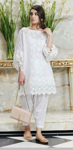 This lovely cool white summer dress make calming their hot summer look and get versatility on their talk show look. Pakistani Formal Dresses, Pakistani Outfits, Indian Dresses, Indian Outfits, Simple Dresses, Day Dresses, Casual Dresses, Ethnic Fashion, Asian Fashion