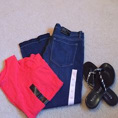 NWT Banana Republic flare crop jeans Given to me as a gift; crop makes me look shorter than I already am! Released hem is on point this season and perfect for weekends by the lake. Smoke free, dog friendly home. Open to reasonable offers Banana Republic Jeans Ankle & Cropped