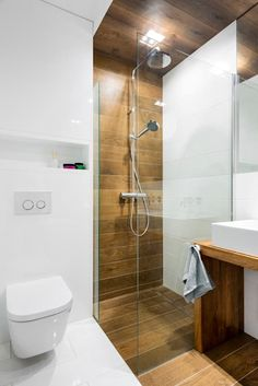 Looking for shower tile ideas for your bathroom? Here we've collected stunning shower tile ideas to help you decorating your bathroom. Wood Bathroom, Bathroom Layout, Bathroom Colors, Bathroom Ideas, Bathroom Showers, Bathroom Organization, Tile Layout, Wood Tile Shower, Restroom Ideas