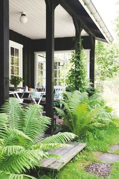 Front porch living