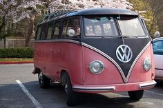 Vintage Volkswagen 1 - Classic VW Bus