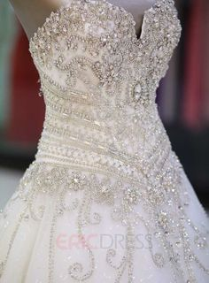 Sweetheart Rhinestone Appliques Cathedral Wedding Dress Wedding dresses with bling – Wedding Fashions Wedding Dress Organza, Princess Wedding Dresses, Best Wedding Dresses, Bridal Dresses, Wedding Gowns, Bridesmaid Dresses, Wedding Dresses With Bling, Boho Wedding, Bling Dress