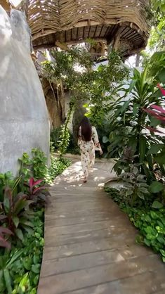 Tulum Mexico, Vacation Places, Dream Vacations, Azulik Hotel Tulum, Outfits For Mexico, Hotel Architecture, Beautiful Nature Scenes, Earth Homes, Earthship