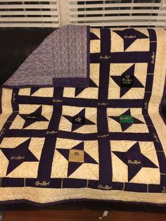 Quilt made out of Crown Royal bags that my dad has been collecting for most of his life. Crown Royal Quilt, Crown Royal Bags, Quilting Projects, Sewing Projects, Projects To Try, Quilting Ideas, Star Quilt Blocks, Star Quilts, Royal Pattern