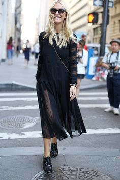 Pin for Later: #TBT: See All the Best Street Style From NYFW Last Season NYFW Street Style Day 4 Zanna Roberts Rassi did all black in the breeziest way possible.