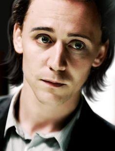 Tom Hiddleston as Loki. O. look how innocent he looks Tom Hiddleston Loki, Tom Hiddleston Imagines, Thomas William Hiddleston, Loki Imagines, Loki Laufeyson, Loki Marvel, Loki Thor, Loki Art, Loki Avengers