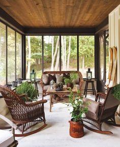 Contemporary Back Deck (© Angus Fergusson)