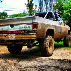 Lifted Chev trucks with  few GMC thrown in for good measure GMC Chev Fanatics Twitter @GMCGuys