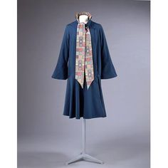 V&A | Coat; c. 1928, made by Liberty in London, England; woollen face cloth, lined with printed silk satin