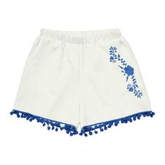 Floral Patched Pompoms Shorts (51 BRL) ❤ liked on Polyvore featuring shorts, flower print shorts, patch shorts, pom pom shorts, white shorts and pompom shorts