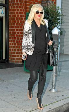 Gwen makes pregnancy so chic.