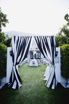 boda en blanco y negro al aire libre