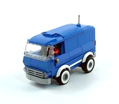 ✩ Check out this list of creative present ideas for tennis players and lovers Chevrolet Van, Chevy Van, Lego Van, Legos, Lego Lego, Lego Structures, Lego Truck, Lego Kits, Toys