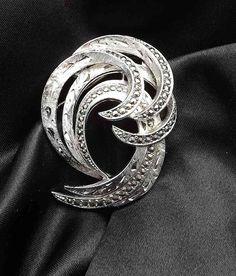 Vintage 1960s marcasite hoop spray brooch . silver tone swirl wedding glam circle jewellery UK