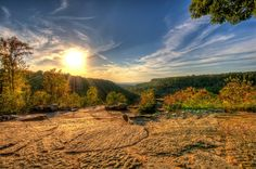 Beautiful places to visit in Arkansas. Grand view of the beautiful Petit Jean State Park in Arkansas Beautiful Places In The World, Beautiful Places To Visit, Places To See, Petit Jean State Park, Most Haunted Places, New City, Arkansas, Travel Usa, Wonders Of The World