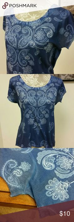 """Blue Paisley Top Seven7 size petite large blue paisley 100% polyester top. Mild pilling, pictured, at underarms but otherwise in great used condition. 24"""" long, 19"""" flat at bust. Seven7 Tops Tees - Short Sleeve"""