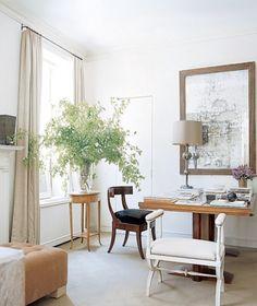 Interior design by Carlos Aparicio // https://www.instagram.com/alyssakapitointeriors/