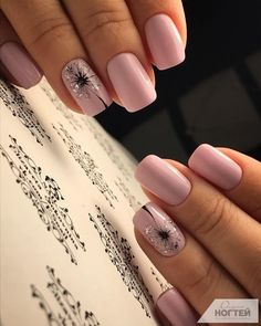 False nails have the advantage of offering a manicure worthy of the most advanced backstage and to hold longer than a simple nail polish. The problem is how to remove them without damaging your nails. Simple Wedding Nails, Wedding Nails Design, Simple Nails, Nail Wedding, Boho Wedding, Wedding Hair, Wedding Ideas, Toe Nails, Pink Nails