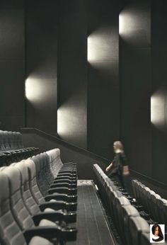 Home Theater Lighting, Home Theater Setup, Cinema Theatre, Home Theater Design, Home Cinema Room, Home Theater Rooms, Cinema Architecture, Architecture Details, Auditorium Design