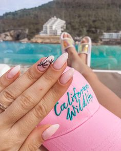 Holiday Super Holiday Nails Beach Palmen Ideen How to Repair Furniture Likes a Profe Manicure, Gel Nails, Acrylic Nails, Holiday Nail Art, Halloween Nail Art, Beach Nail Designs, American Nails, New Nail Polish, Beach Nails