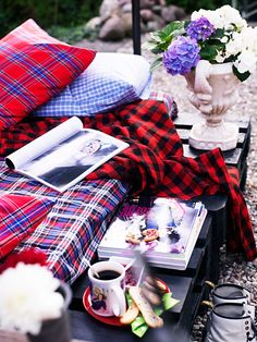 i just got really excited thinking about my cozy flannel blanket :)