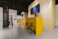 HOLAVISION San Cugat, es la primera óptica de una serie de establecimientos que se esperan abrir en Cataluña en el próximo año. En estas,... Solid...