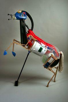 Peter Wilcox Sculpture - from Recycled Art 3d Art Projects, Recycled Art Projects, Found Object Art, Found Art, Recycled Robot, High School Art, Assemblage Art, Horse Art, Art Lessons