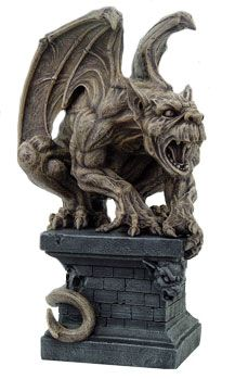 Crouching Gargoyle, would love to snag this.. nice decorative piece.