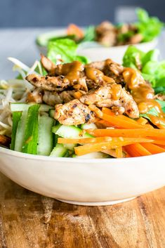 A quick, light and easy meal with marinated Lemongrass Chicken and a refreshing Vietnamese inspired noodle salad full of chewy rice noodles and crisp herbs and vegetables dressed with a creamy and crunchy peanut sauce. Light And Easy Meals, Asian Recipes, Healthy Recipes, Easy Vietnamese Recipes, Vietnamese Cuisine, Healthy Salads, Healthy Food, Feta, Vietnamese Noodle Salad