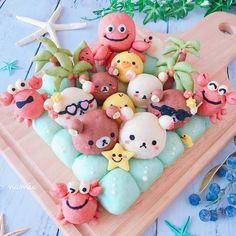 Japanese Sweets, Japanese Milk Bread, Puff And Pie, Kawaii Cooking, Cute Bento Boxes, Cute Baking, Kawaii Bento, Bread Art, Cute Buns