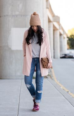 The Fancy Pants Report | I absolutely love this laid back look - new balance, beanie , grey T shirt