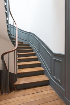 Ideas Painted Furniture Designs Inspiration Colour For 2019 Victorian Stairs, Hardwood Stairs, Beautiful Stairs, Staircase Makeover, Painted Stairs, House Stairs, Attic Stairs, Interior Stairs, Hallway Decorating