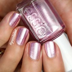 {S'il Vous Play}✨NEW✨from the Essie Summer Collection for 2017. An eye-catching metallic purple/pink nail polish.